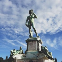 Photo taken at Piazzale Michelangelo by Gideon Y. on 5/21/2013