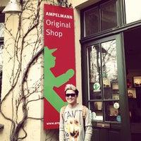 Das Foto wurde bei AMPELMANN Shop von Gideon Y. am 4/9/2013 aufgenommen