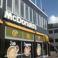 Das Foto wurde bei McDonald's von Mika P. am 9/3/2012 aufgenommen