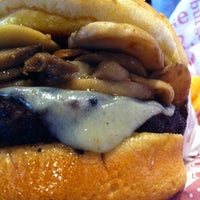Photo taken at Red Robin Gourmet Burgers by 206ness on 5/11/2012