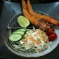 Foto tirada no(a) Lamen Kazu por George Yuji M. em 10/18/2011