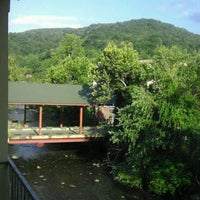 Photo taken at River Terrace Resort and Convention Center by Louis D. on 8/12/2011