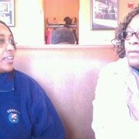 Das Foto wurde bei Spring Garden Restaurant von Nastee am 12/10/2011 aufgenommen