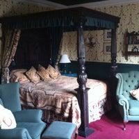 Снимок сделан в Coombe Abbey Hotel пользователем Victoria C. 5/24/2012