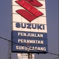 Photo taken at Suzuki Cipulir by Andi Riza S. on 9/13/2011