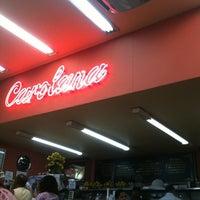 Foto tirada no(a) Confeitaria Carolana por Eduardo L. em 8/23/2012