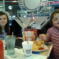 11/8/2011에 Todd D.님이 Steak 'n Shake에서 찍은 사진