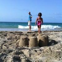 Снимок сделан в Ocean Park Beach пользователем Micheline B. 8/20/2011