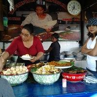 Photo taken at Nasi Bali Men Weti by Victoria A. on 1/1/2012