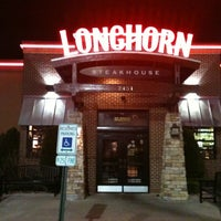 Photo taken at LongHorn Steakhouse by Nathan M. on 3/17/2012