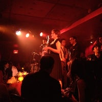 Photo prise au Manderley Bar at the McKittrick Hotel par Luigi A. le5/4/2012