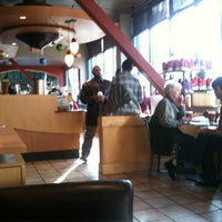 Foto scattata a Starbucks da Chris D. il 12/1/2011