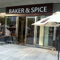 Photo prise au Baker & Spice par Mike C. le9/24/2011