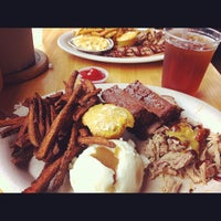 Photo taken at GS Riverside BBQ by Henley N. on 8/17/2012