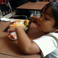Photo taken at Hoka Hoka Bento by AditBobo on 8/20/2011