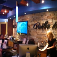 Photo taken at Quattra Via Aveda Salon Spa Inner Beauty Gallery by Sam G. on 11/16/2011