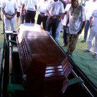 Photo taken at Cementerio Jardin Memorial by Fausto Arnaldo P. on 11/29/2011