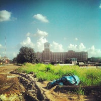 Снимок сделан в Ponce City Market пользователем Friar F. 7/19/2012