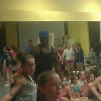 11/9/2011 tarihinde Mari C.ziyaretçi tarafından Studio Bleu Dance Center'de çekilen fotoğraf