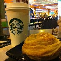 Photo taken at Starbucks by Nix on 5/11/2012
