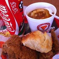 Photo taken at Popeyes by Il Mare ® on 10/26/2011