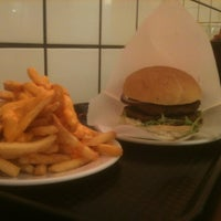 Photo taken at Temes Burguer by Wassily Comunicación on 10/16/2011