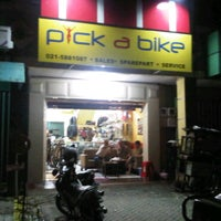 Photo taken at Pick A Bike by Hendry U. on 2/14/2011