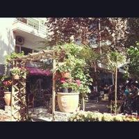 4/28/2012 tarihinde Emine K.ziyaretçi tarafından Cafe Botanica'de çekilen fotoğraf