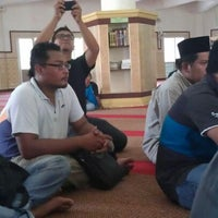Photo taken at Masjid Al-Ehsan Sg Pelek by Arif S. on 5/28/2012
