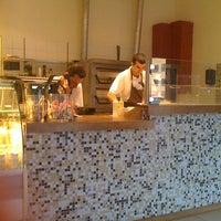 Photo taken at La Pizza by Anna-Hulda N. on 7/28/2011