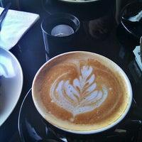 Photo prise au Stofan Café par sat p. le6/13/2011