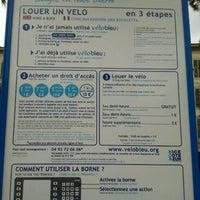 Photo taken at Vélo Bleu (Station No. 26) by Iarla B. on 1/27/2012