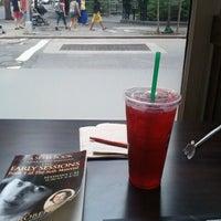 Photo taken at Starbucks by Omniformer S. on 9/25/2011