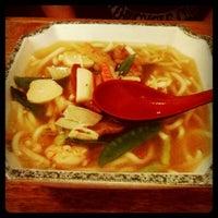Photo taken at Tokyou Noodle Bar by Debbie D. on 8/29/2011