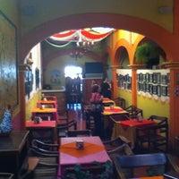 3/24/2012 tarihinde David T.ziyaretçi tarafından El Rincón Mexicano'de çekilen fotoğraf