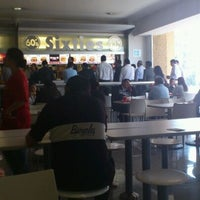 Photo taken at Food Court by Rodrigo B. on 11/24/2011