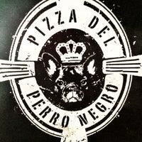 Foto tomada en Pizza del Perro Negro por anais m. el 6/8/2012