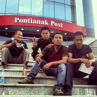 Photo taken at Graha Pena, Pontianak Post by Nurdin W. on 4/27/2012
