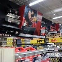 Photo taken at Canadian Tire by Agt P. on 9/13/2011