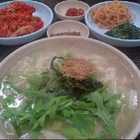 Photo taken at 안골 손 칼국수 by Woochan I. on 11/2/2011