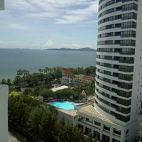 Photo taken at Jomtien Palm Beach Hotel&Resort by Adisorn I. on 9/5/2011
