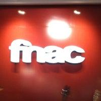 Foto tirada no(a) Fnac por Rafael A. em 7/17/2012