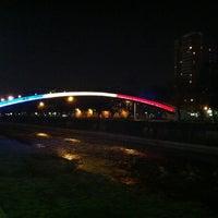 Foto tirada no(a) Puente Peatonal Condell por Frank T. em 9/19/2011