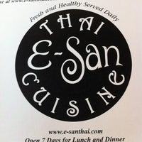 Foto tomada en E-San Thai Cuisine por Diana L. el 8/3/2012