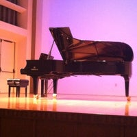 Foto tomada en Albert Simons Center for the Arts, College of Charleston  por Jeanette R. el 6/3/2012