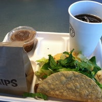 Photo taken at Chipotle Mexican Grill by David H. on 7/1/2011