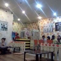 Photo taken at Yoki - Korean Food by Vydaisy P. on 11/9/2011