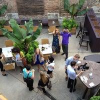 7/26/2012 tarihinde Lauren S.ziyaretçi tarafından 694 Wine & Spirits'de çekilen fotoğraf