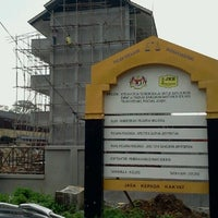 Photo taken at Sk telok kerang by Nurul Aqmarina A. on 9/12/2012