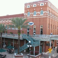 Photo taken at Tampa Improv by Dan O. on 3/31/2011